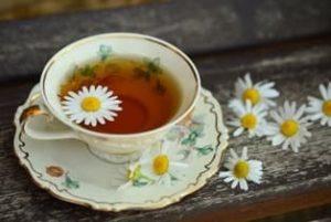 Чай - ромашка, польза и вред, как принимать